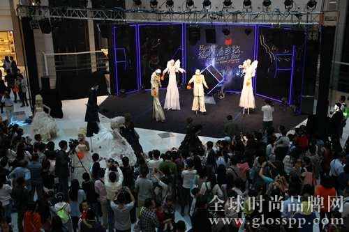 资讯生活上海商场深挖万圣节商机 呈现魔法气氛